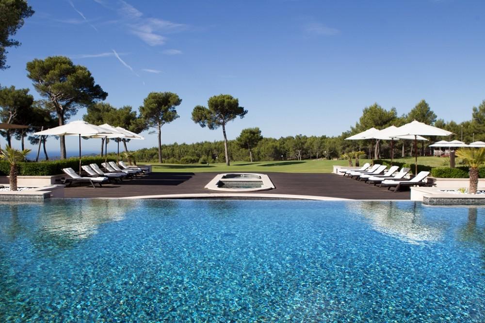 H tel spa du castellet salle s minaire toulon hy res for Hotel avec piscine vannes
