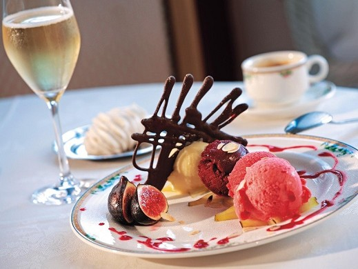 Lakes Hotel - example of dessert