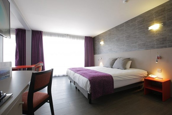 Adelphia marina hotel and spa - room