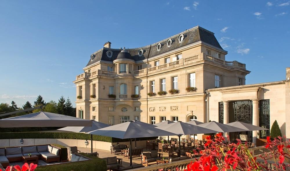 Tiara Schlosshotel mont Royal Chantilly - Terrassenbar
