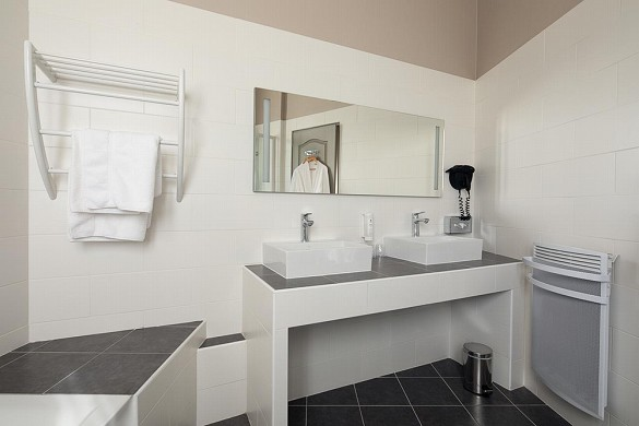 Best western central hotel tours - baño