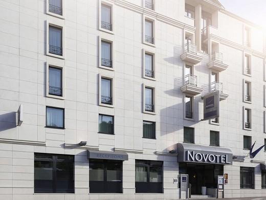 Novotel Pont de Sevres - Day Front