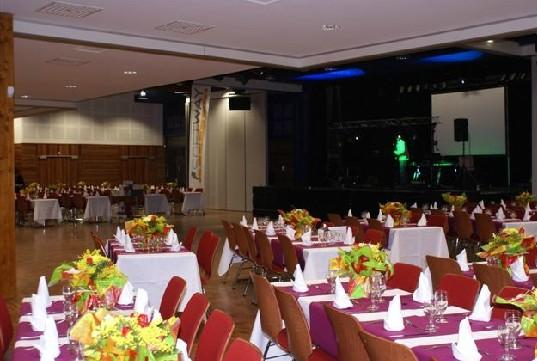 Kulturraum Treffen die orres - Dinner-Show für Menschen 250