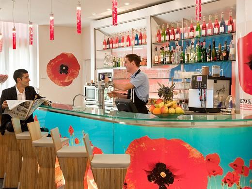 Ibis marseille center gare saint-charles - bar