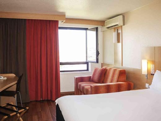 Ibis marseille center gare saint-charles - accommodation