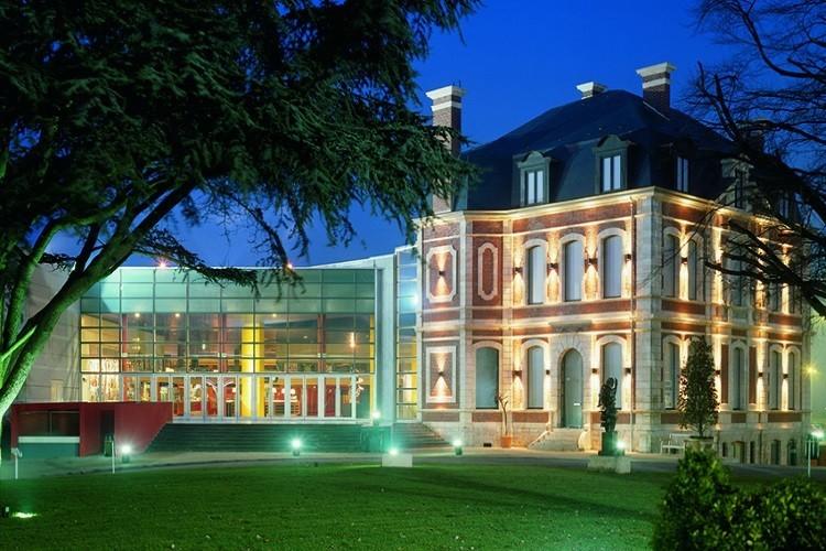 Kinepolis Lille (Lomme) Le Chateau du Cinema: Lille seminar room (10)