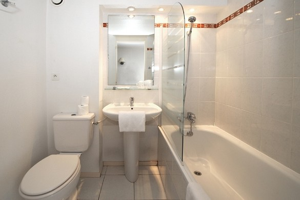 The originals access hotel ambacia towers south - bathroom