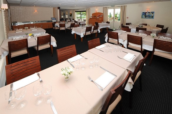 The originals access hotel ambacia towers south - dining room