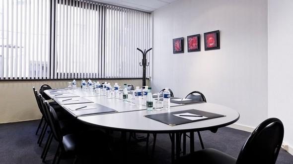 Axotel lyon perrache - sala de reuniones