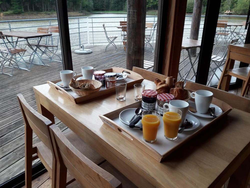 Huttopia Senonches - Frühstück