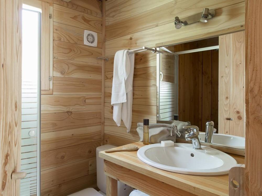 Huttopia Senonches - Badezimmer