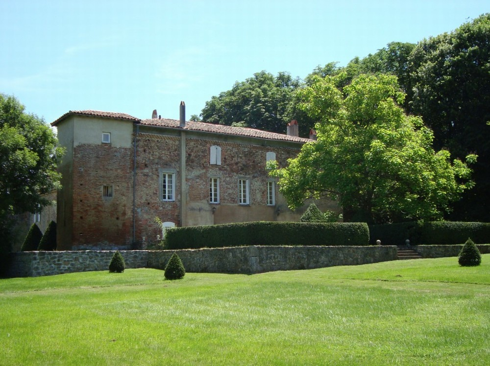 Combelongue Abbey - facade