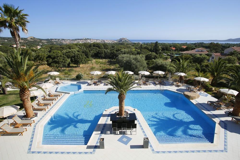 Hôtel corsica - piscine extérieure