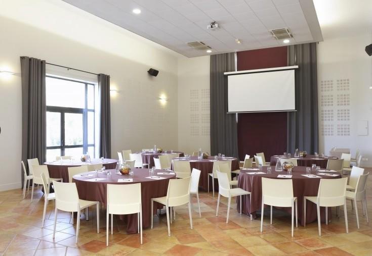 Mas des cinelles - meeting room in a cabaret