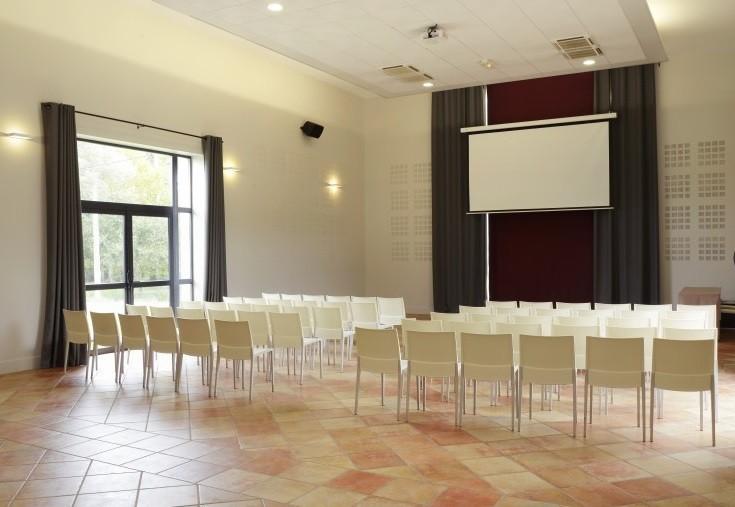 Mas des cinelles - theater meeting room