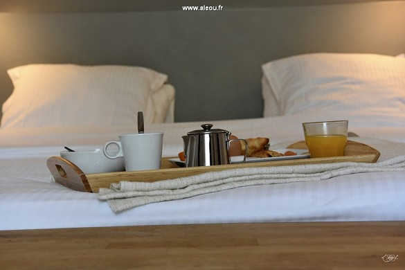 Domaine de baulieu - breakfast in your room