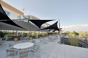 Terrace of the Garrigue restaurant - cocktails up to 200 pers