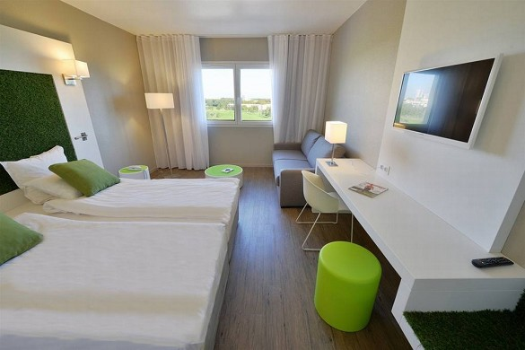 Quality hotel golf montpellier-juvignac - superior room golf view residential seminar