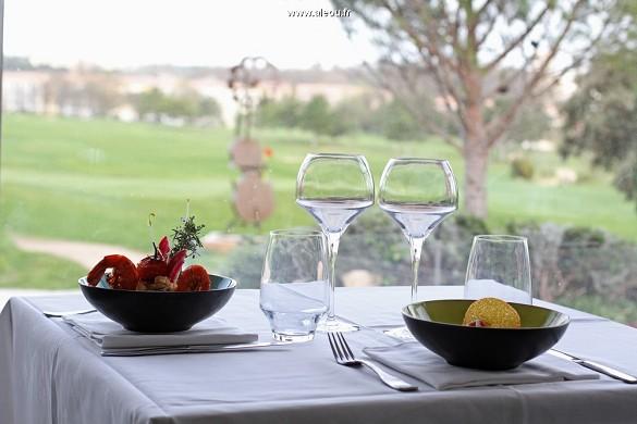 Qualitätshotel Golf Montpellier-Juvignac - Gourmetküche im Restaurant Club House, am Rande des Grüns
