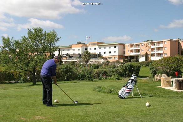 Qualitätshotel Golf Montpellier-Juvignac - organisieren Sie Ihre Golf-Initiation mit unseren Profis