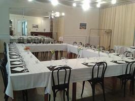 Geschäftsessen im Brit Hotel Hotel Grand Hotel de Roanne