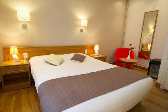 Brit Hotel Roanne - das Grand Hotel - Doppelzimmer des Brit Hotel Grand Hotel de Roanne