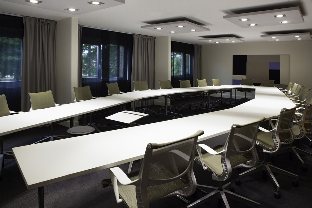 Novotel fontainebleau ury - meeting room