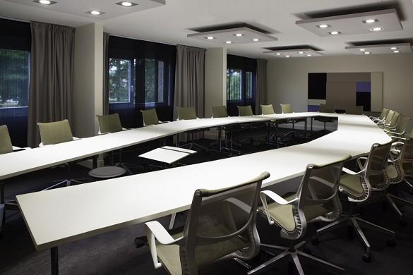 Novotel fontainebleau ury - sala de reuniones