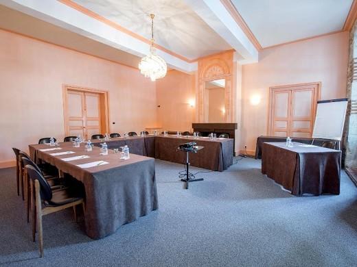 El príncipe negro - sala de reuniones
