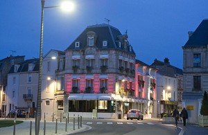 Hotel Restaurant Les Remparts - Außenansicht