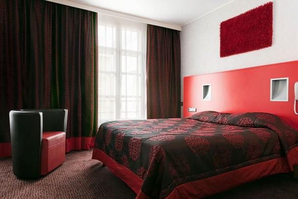 The grand hotel de valenciennes - habitación roja