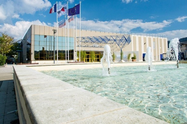 Renting rooms for organizing a conference or seminar in Aubagne - Congress Centre Agora (13)