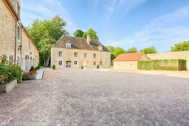 Rental of rooms for the organization of a congress or seminar in Caen - Domaine de la Tour (14)