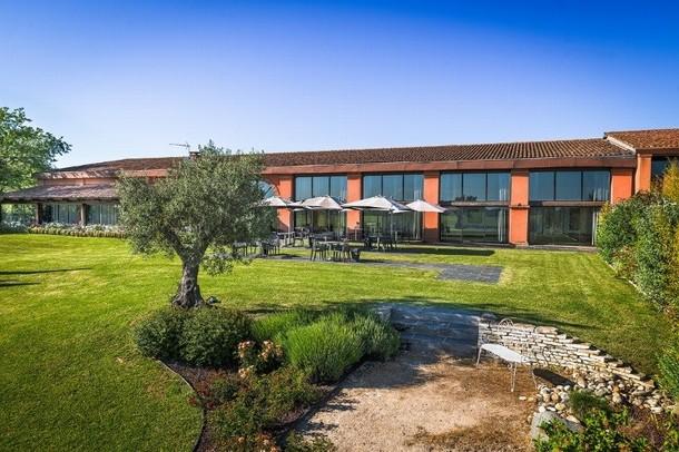 Renting rooms for organizing a conference or seminar in Brive-la-Gaillarde - Domaine Golf Estolosa (31)