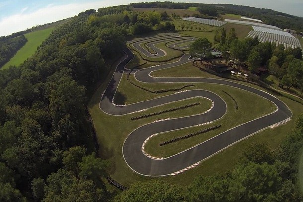Organize a seminar or team building in a karting - Karting Garden (24)