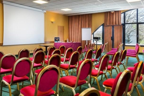 alquiler de sala de reuniones Lons-le-Saunier para organizar una conferencia o reunión - Hotel Restaurant Le Paddock (58)