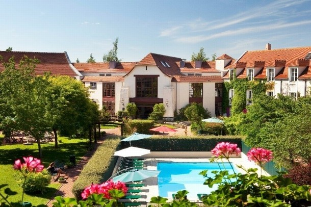 Rental of rooms for the organization of a conference or seminar at Disney Marne-la-Vallée - Manoir de Gressy (77)