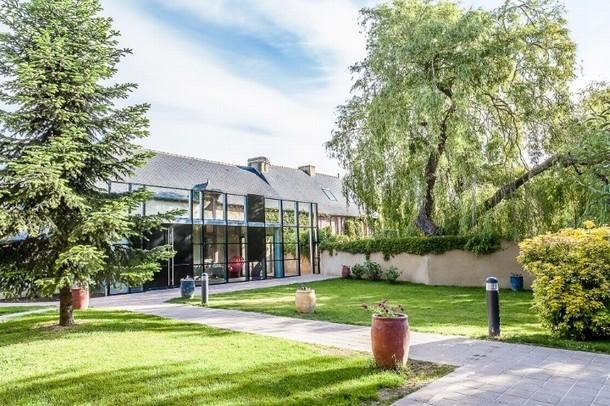 Rent a room for a seminar in Chasseneuil du Poitou - Le Manoir du Petit Corce (35)