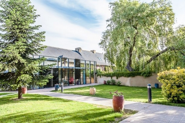 Renting rooms for organizing a conference or seminar in Saint-Amand-Montrond - Le Manoir du Petit bark (35)