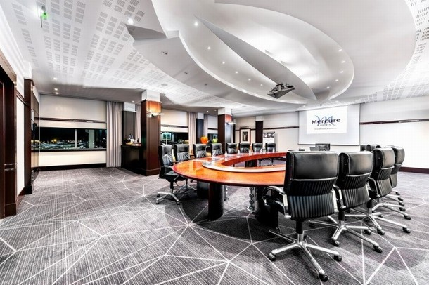 Rental of rooms for the organization of a congress or a seminar in Roissy-Charles-de-Gaulle (Roissy CDG) - Mercure Paris CDG Airport Convention (95)
