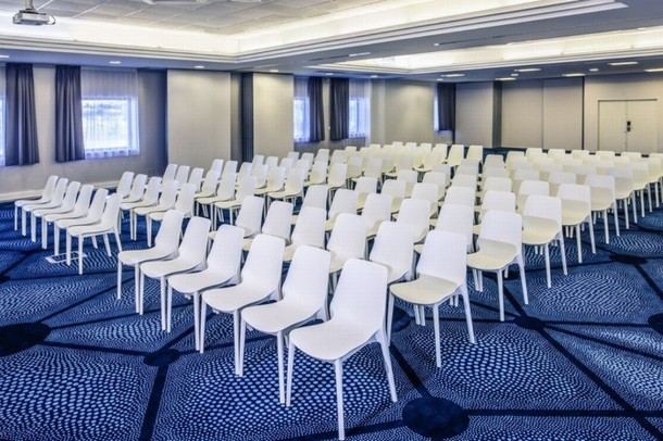 Poitiers conference rooms to organize a congress or a meeting - Mercure Plaza Futuroscope site (86)