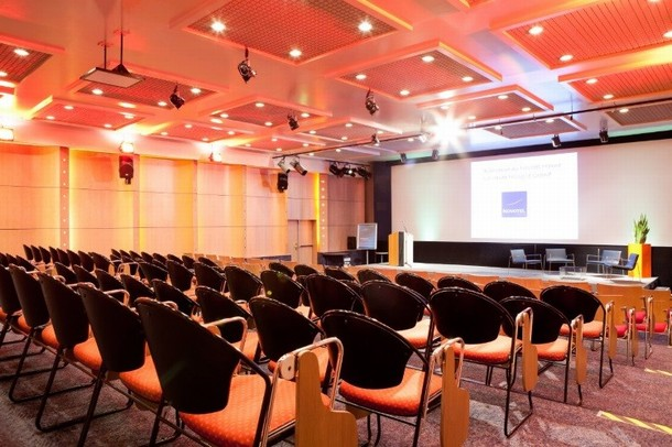 Room rental for the organization of a conference or a seminar in Saint-Denis (93200) - Novotel Marne-la-Vallée Noisy-le-Grand (93)