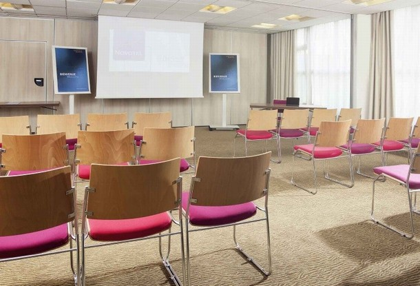 Rental of rooms for the organization of a conference or seminar in Versailles - Novotel Poissy Orgeval (78)