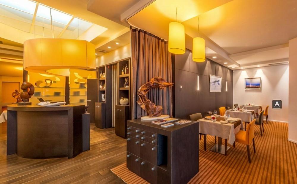 Stéphane Carbon Restaurant - Restaurantzimmer