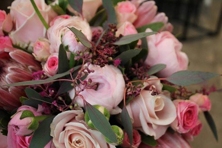 La fábrica de pétalos - rosas
