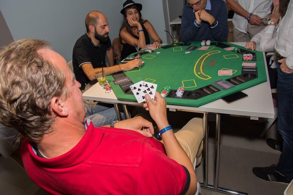 Equipo activo - noche de casino