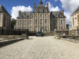 Les Cars Henri Pavard - Dienstleister GRENTHEVILLE
