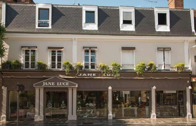 Jane luce - outside