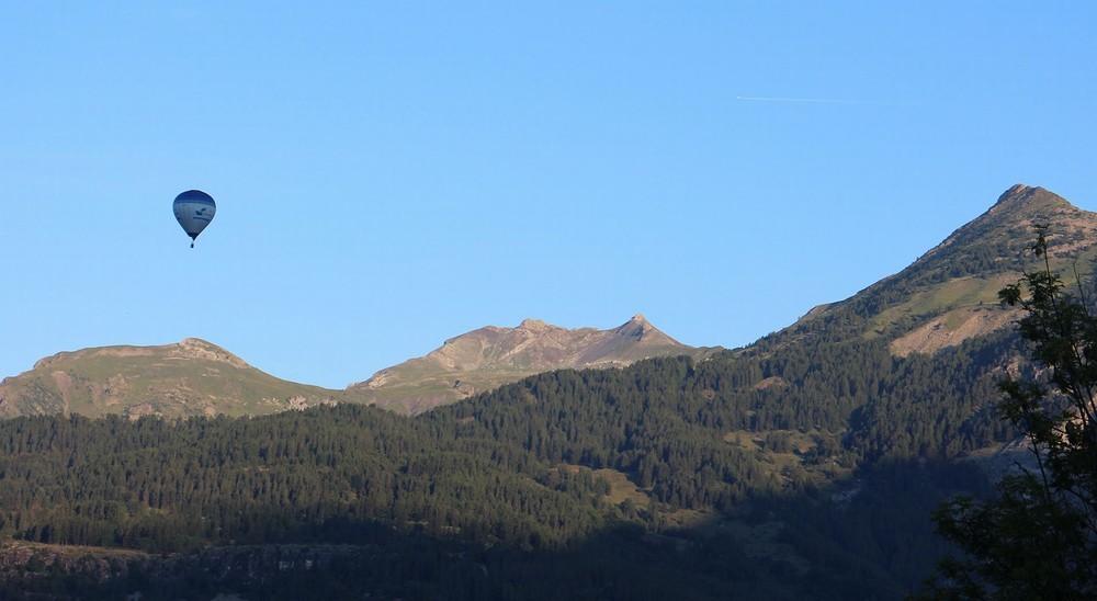 Hautes alpes hot air balloon - first flight