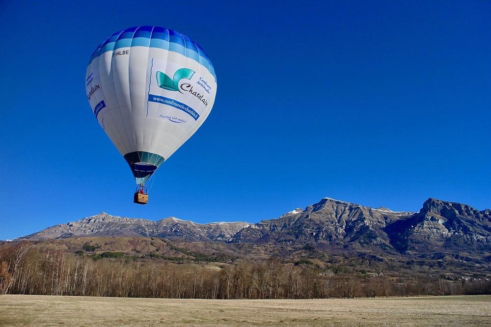 Hautes alpes hot air balloon - team building in the Hautes-Alpes